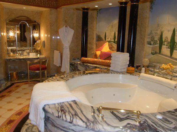 ドバイ:ブルジュ アル アラブ ジュメイラ(バスルーム)