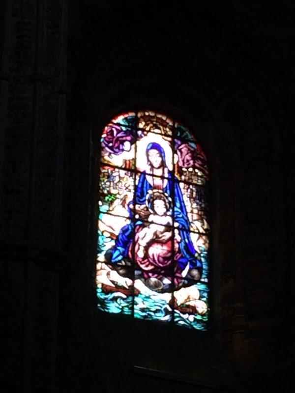 サンタ・マリア教会 ステンドガラス